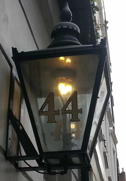 An old gas lamp that we pass under as we make our way through haunted St James's.